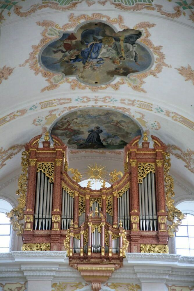 The pipes of an enormous organ in a cathedral