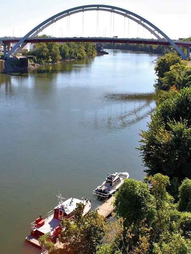 Gateway Bridge, spanning the Cumberland River in Nashville, Tennessee